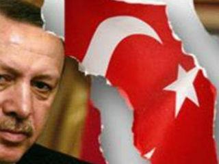 Ποιος, όμως, είναι ο πυρήνας της πραγματικότητας που πρέπει να τύχει αποδοχής όχι μόνον από την Ελλάδα, την Κύπρο και το Ισραήλ αλλά και από την Δύση συνολικά; Ότι η Τουρκία, ακόμη και αν φθαρεί ο Ερντογάν μέχρι της πτώσεώς του, δεν θα είναι ποτέ ξανά εκείνη των ψυχροπολεμικών ετών.